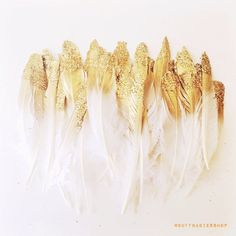 Gold glitter dipped feathers! Gold Feathers, Neverland, Bohemian Feathers, Bridal Shower Feathers, Feather Decor.