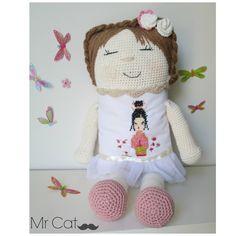 Muñeca juguete amigurumi de MrCatcreaciones en Etsy