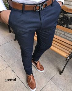 menswear ideas which look awesome Stylish Mens Fashion, Stylish Mens Outfits, Mens Fashion Suits, Look Fashion, Mens Dress Pants, Men Dress, Blazer Outfits Men, Formal Men Outfit, Mode Costume