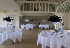 Ostrich feather centrepieces in black and white