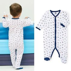 ⚓️The Petit Bateau style: These baby boys' pajamas stand out with their mini boat print.⛵️