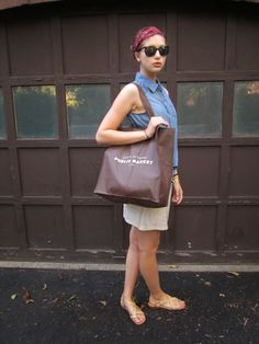 retro jean look via Petite Maison of Fashion #OOTD #fashionblogs #looks