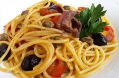#RicettediPuglia #VieniaMangiareinPuglia  Il piatto del giorno è:  Spaghetti alla San Giuannin, cucina popolare pugliese  #EvedichetiMangi