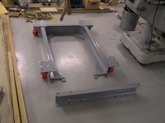 Leveling Screws And Frame With Casters For Bridgeport