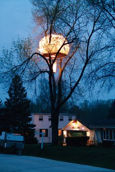 An illuminated tree house structure. 2 of 2 pics. ***** Referenced by 1 Dollar Web Hosting (WHW1.com): WebSite Hosting - Affordable, Reliable, Fast, Easy, Advanced, and Complete.©