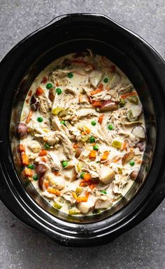 Slow Cooker Chicken Pot Pie is creamy, hearty and addictively delicious. It's packed with tender chicken, crisp veggies, a sauce that will leave you coming back or more, and buttery store-bought biscuits. Perfect for cold and busy winter weeknights! Crock Pot Recipes, Top Recipes, Slow Cooker Recipes, Cooking Recipes, Crock Pots, The Recipe Critic Slow Cooker, Slow Cooker Dinners, Crock Pot Slow Cooker, Kraft Recipes