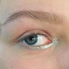 """110 Likes, 9 Comments - Anna Donegan (@annadoneganmakeup) on Instagram: """"It was a season of glitter this fashion month! #SilverGlitter and #SilverLiquidLiner for the girls…"""""""