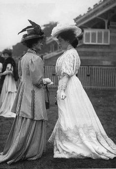 Lillie Langtry, Ascot c. 1910..these are long dresses....did they buy they wrong size, or was it proper to have the dress drag on the ground?
