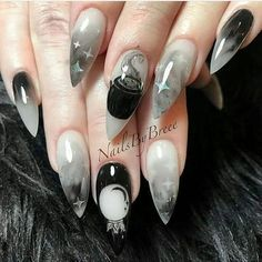 50 Cool Halloween Nail Art Designs for Creepy halloween nails; Halloween 2018, Cute Halloween Nails, Halloween Acrylic Nails, Halloween Nail Designs, Cute Acrylic Nails, Halloween Coffin, Creepy Halloween, Halloween Costumes, Goth Nails