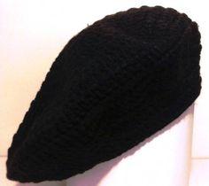 Boina Preta lã tradicional em crochê Aviso Importante: Sobre encomenda todos os produtos com preços promocionais, tem seus preços alterados para o valor normal.  Preço promocional por pouco tempo!!! Aproveite!! R$ 39,90