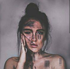 Creative Portrait Photography, Portrait Photography Poses, Dark Photography, Creative Portraits, Creative Photos, Makeup Photography, Portrait Inspiration, Photoshoot Inspiration, Photocollage