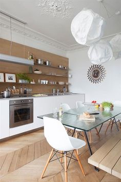 Kitchen of a flat in Paris Haussmann Kitchen Dinning Room, Kitchen Benches, Living Room Inspiration, Beautiful Kitchens, Kitchen Interior, Home Kitchens, Sweet Home, House Styles, Paris France