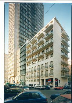 Archivio Asnago Vender (fotografia Olivo Barbieri) Country Office, Contemporary Building, Architectural Section, Urban Landscape, Modern Architecture, Reggio, Multi Story Building, Places, Jordyn Jones