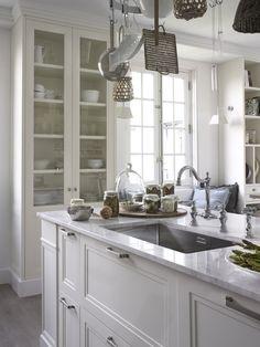 Grifería clásica para una cocina de estilo americano. #CasaDecor…
