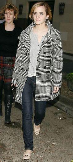 Emma Watson Fashion and Style - Emma Watson Dress, Clothes, Hairstyle - Page 25