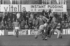 Fotocollectie » Cambuur tegen Volendam: 2-0. Kras van Volendam (midden) in actie   gahetNA