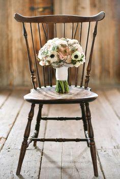 De #Blomster heeft een mooi bord met #bruidsboeketten via Style Me Pretty.  gebruik de omschrijving om mensen naar je site,blog, of andere pagina te krijgen. Gebruik een link! http://www.bloomly.nl