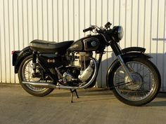 My first #motorbike was a British military surplus, single piston AJS 350cc circa 1958, that looked a lot like this one. Heavy as hell!