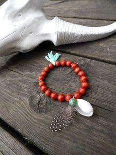 Bracelet boho pierre naturelle rouge brique, coquillage et plume - Pièce unique