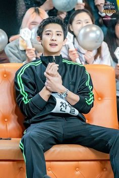 Chanyeol in ISAC bowling competition Kris Wu, Luhan And Kris, Baekhyun Chanyeol, Kai, Exo Ot12, Chanbaek, Chansoo, Rapper, Z Cam