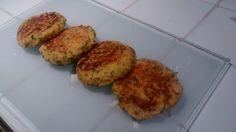 Pour 10 à 15 galettes : 4 ou 5 courgettes 100 g de farine de pois chiche Persil haché Curcuma