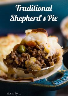 This shepherds pie recipe looks AMAZING - recipe and video tutorial with tips for the perfect pie