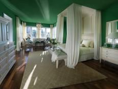 Green Bedroom With Canopy Bed