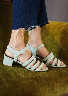 74256bc865760e 50 Pairs of Low Heels That Won t Kill Your Feet—Trust