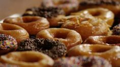 HOW TO MAKE CRISPY AND CREAMY DONUTS [VIDEO] Watch how to make glazed doughnuts like they make at the doughnut shops. These homemade pastries are a top-rated hit, perfect for weekend mornings or for celebrating special occasions.