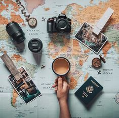 Top Tips For Savvy Global Travel - top-tipps für versierte globale reisen Shopping In New York, Travel Pictures, Travel Photos, Creative Photography, Travel Photography, Flat Lay Photography Instagram, Travel Flatlay, Travel Baby Showers, Flat Lay Photos
