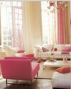 Oooohhh, I just love the pink accents in this gorgeous living room!!!