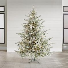 Un-lit Noblis Fir Christmas Tree | Grandin Road