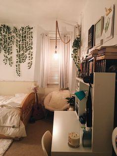 55 recent bedroom decor updates to try now Dream Rooms, Dream Bedroom, King Bedroom, Master Bedroom, Room Ideias, Cute Room Decor, Aesthetic Room Decor, Cute Dorm Rooms, My New Room