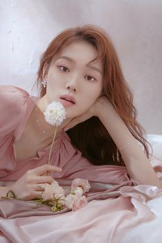 Lee Sung Kyung is also one of my favorite Korean actresses because I loved her lead role in Weightlifting Fairy Kim Bok-joo. Her character was so funny and is so talented. Lee Sung Kyung Photoshoot, Lee Sung Kyung Fashion, Korean Photoshoot, Photoshoot Ideas, Lee Sung Kyung Profile, Korean Actresses, Korean Actors, Korean Dramas, Sung Hyun