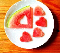 make watermelon hearts Future Children, Easy Peasy, Cookie Cutters, Punch, Watermelon, Healthy Snacks, Eye Candy, Hearts, Tasty