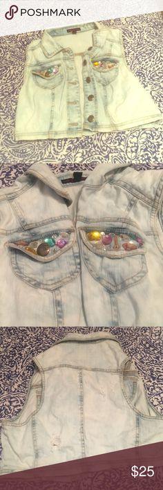 Embellished jean vest Size S 🤗 Super cute light wash, jewel embellished jean vest crop. Size small! Material Girl Jackets & Coats Vests