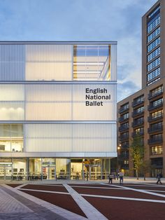 English National Ballet completes to a design by Glenn Howells Architects in London City Island Cultural Architecture, Facade Architecture, School Architecture, Chinese Architecture, Futuristic Architecture, East London, London City, London United, Ballet School