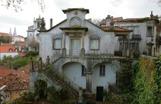 A typical example of the lovely architecture in and around Sintra. Most of the houses have an air of 'faded granduer' and look like they could use a lick of paint, but this only adds to their appeal