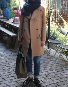 Love the coat scarf a bit overwhelming!