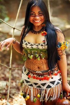 New Generation of Native American woman are conquering modeling . Native Girls, Native American Girls, Native American Beauty, American Indians, American Life, The Americans, Make India, Beautiful People, Beautiful Women