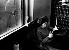 'Universidad de Long Island, Nueva York. 16 de marzo de 1963'. Las fotos del libro no tienen mayor explicación, solo su fecha y lugar en el que fueron realizados.