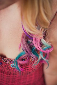Multi-colored curls