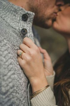 55 Best Engagement Poses Inspirations For Sweet Memories - Engagement Inspiration Engagement Photo Poses, Engagement Shots, Engagement Photo Inspiration, Fall Engagement, Engagement Couple, Winter Engagement Photos, Engagement Wishes, Winter Engagement Photography, Announcing Engagement
