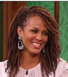 My new obsession!!!! Kinky twists. Love the texture and coloring for Nicole Ari Parker. #protectivestyling #kinkytwists #naturalgrowth #naturalhair    Installation courtesy of http://xpressyourkinks.com
