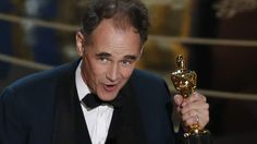 Mark Rylance has won the Oscar for Best Supporting Actor for his role in the Cold War-era drama Bridge of Spies.