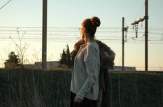 LOOK : Pull ZARA à lacets écru / Skiny Cuir Old / Parka OLD MOLLY( même Style chez PEOPLE PARADISE …