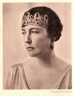 Isabelle of Orléans, Duchesse of Guise, wearing the Duchess of Angouleme's Emerald Tiara