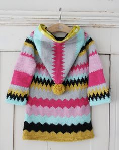 Zigzag woolen coat with a pompom Knitting For Kids, Crochet For Kids, Baby Knitting, Crochet Baby, Knit Crochet, Baby Patterns, Knitting Patterns, Toddler Outfits, Kids Outfits