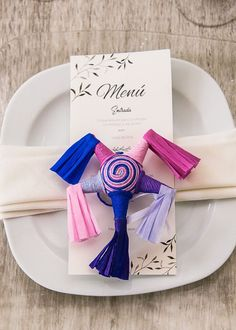 A Mexican Chic Style Wedding is the trend that is in fashion. The Mexican Chic style stands out for its bright colors, textures and very handmade designs. Mexican Party Favors, Mexican Wedding Decorations, Wedding Favors, Our Wedding, Cute Wedding Ideas, Wedding Trends, Wedding Pictures, Mexican Style, Wedding Details