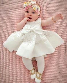 Pin by Abigail Menrod on Baby girl♡Pin by Nikki Robinson on Eliana and baby Willow's room Cute Baby Girl Outfits, Baby Girl Dresses, Baby Girls, Mom Baby, Newborn Fashion, Baby Girl Fashion, Kids Fashion, Babies Fashion, Cute Little Baby